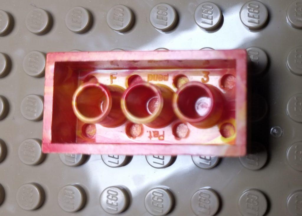 Foto del lato inferiore del mattoncino